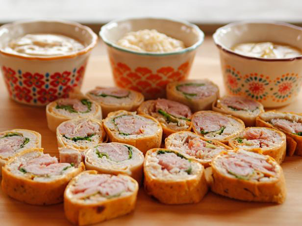 20 delicious and easy make ahead christmas appetizers create cozy easy holiday appetizers forumfinder Gallery